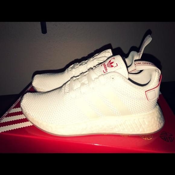 le adidas nmdr2 cny prezzo finale poshmark